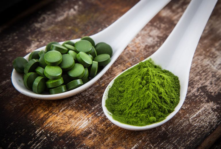 Spirulina powder and pills